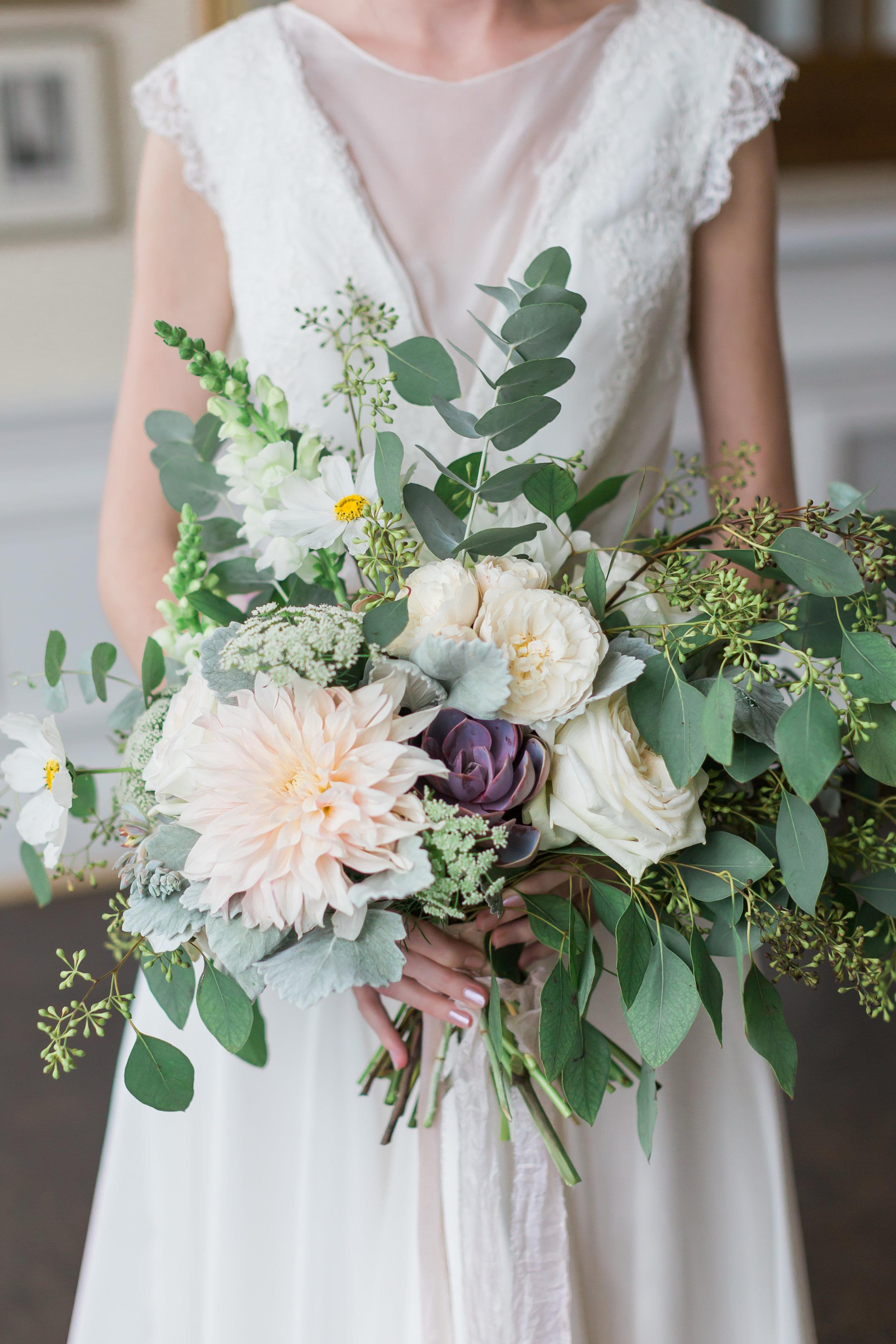 Romantic-bouquet-in-Greenwich.jpg