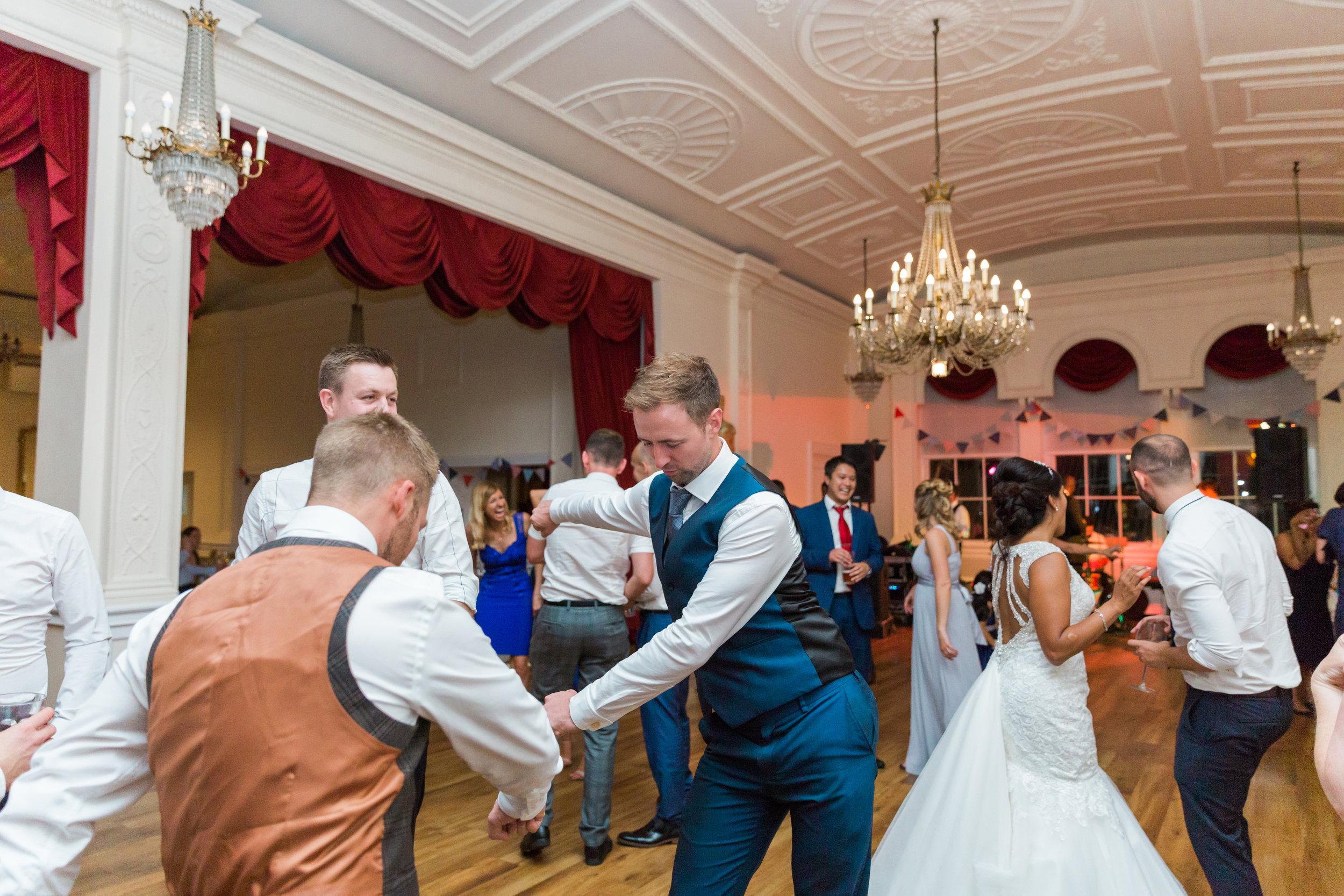 fun-wedding-photographer.jpg
