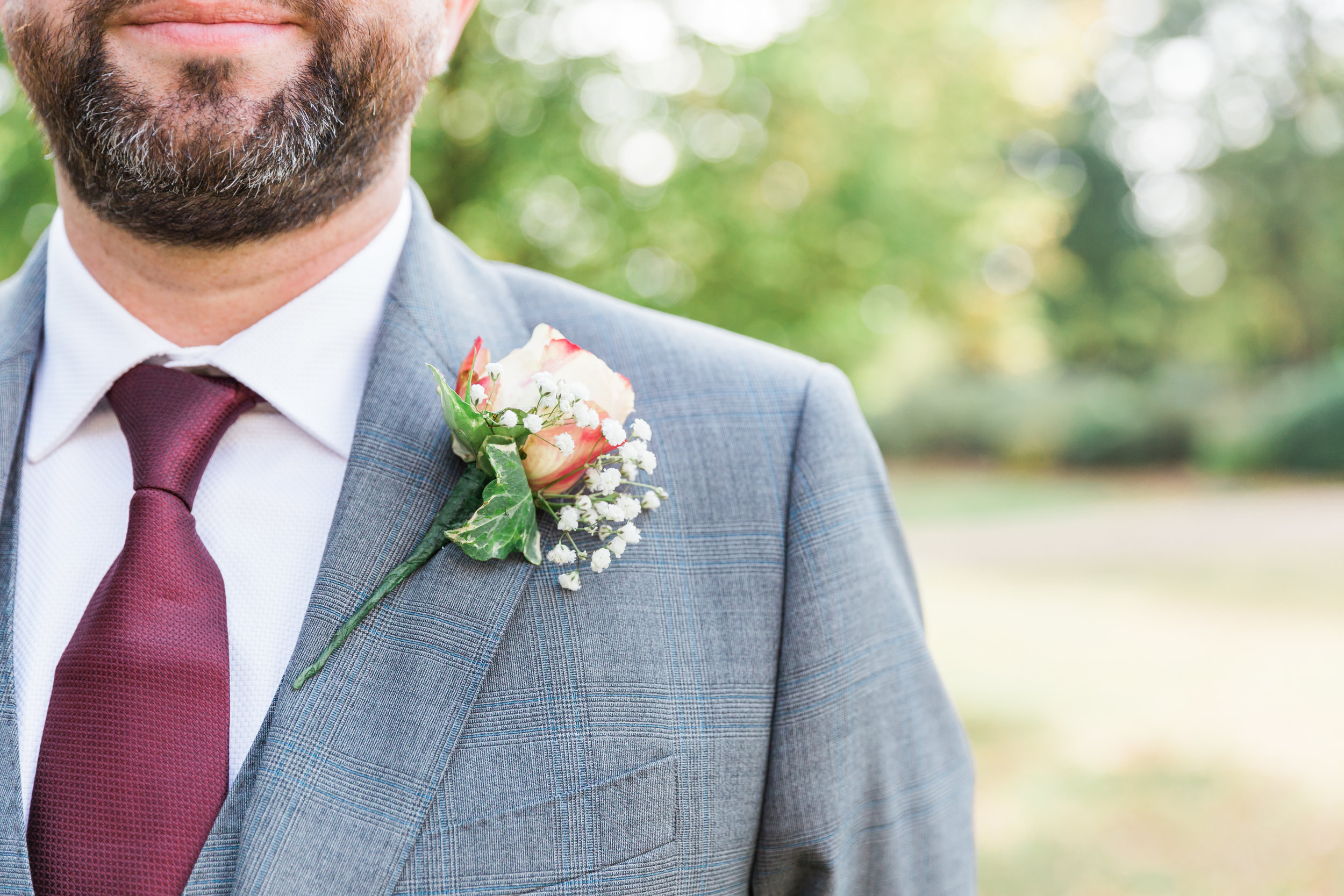 autumn wedding buttonhole.jpg