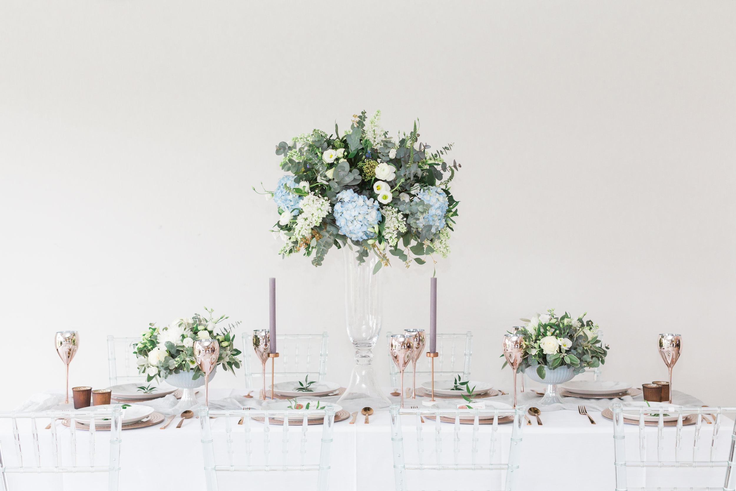 modern-wedding-tablescape.jpg