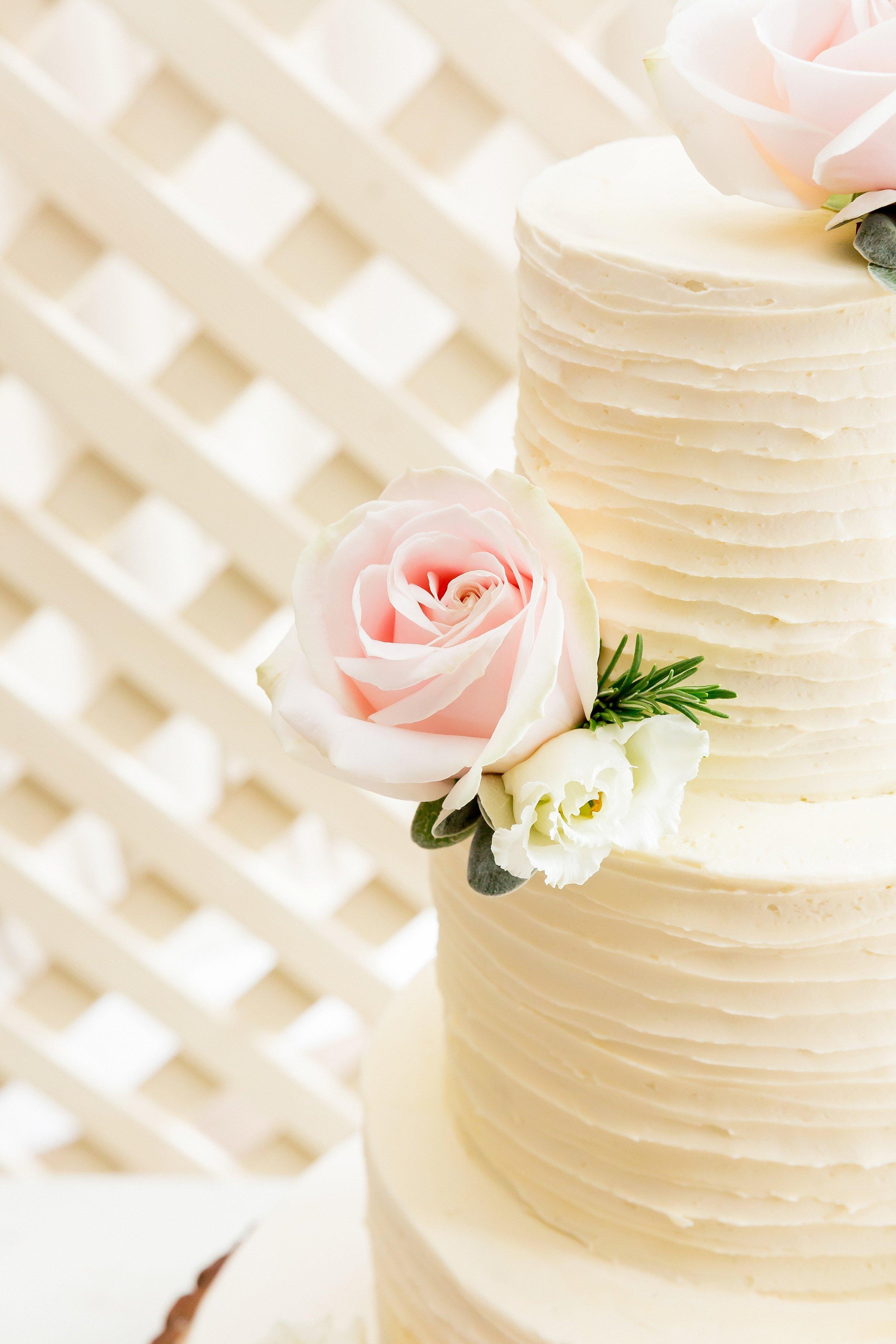 wedding cake somerset.jpg