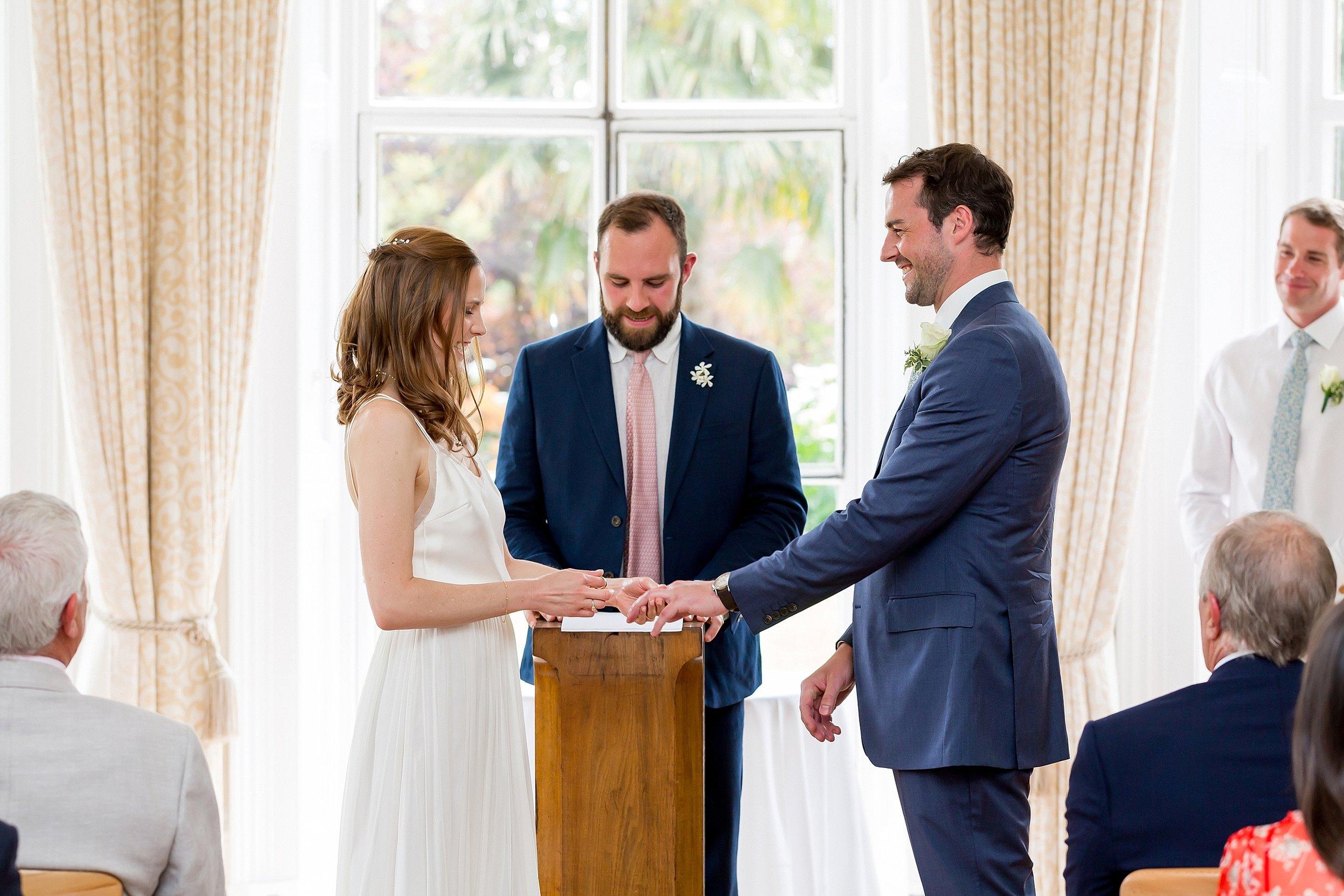 wedding cermony cambridge cottage.jpg