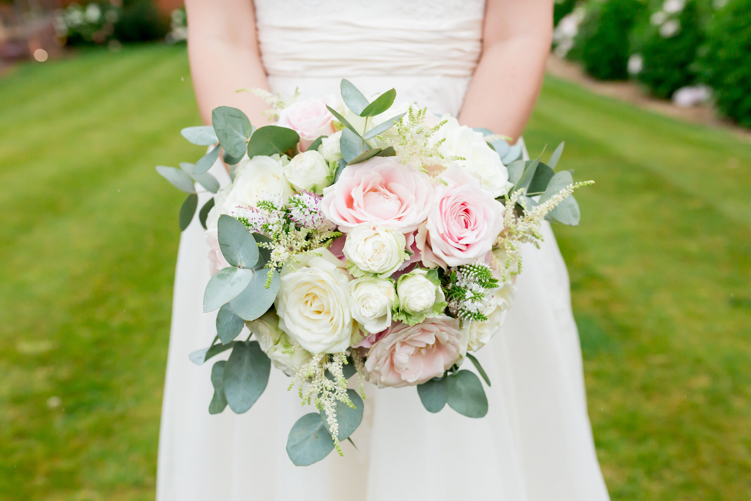 wedding florist upton barn.jpg