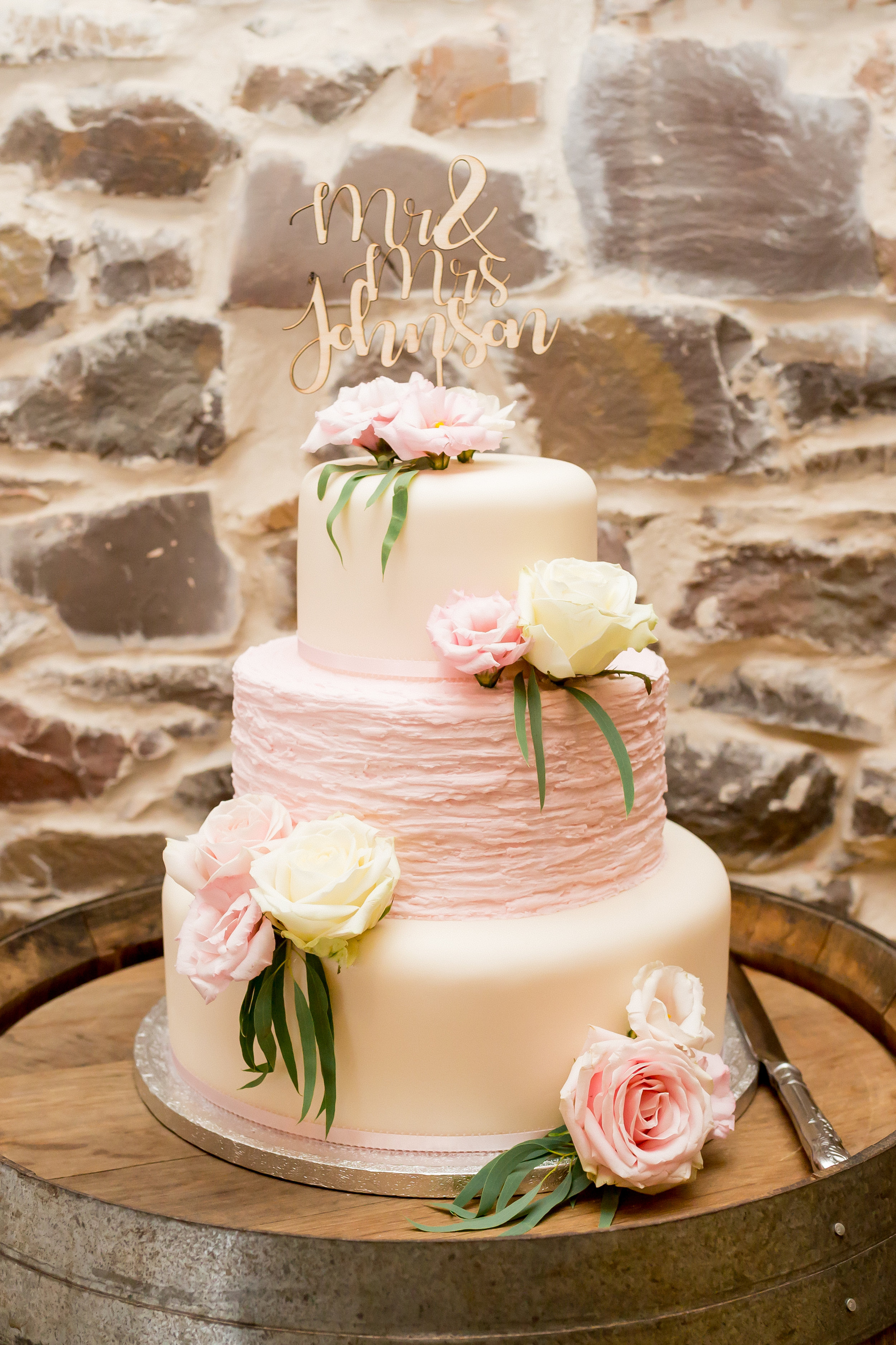wedding cake in devon.jpg