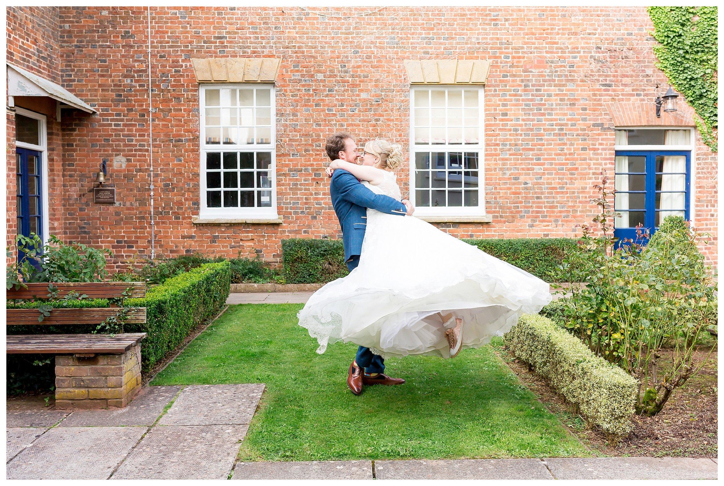 weddingconverse.jpg