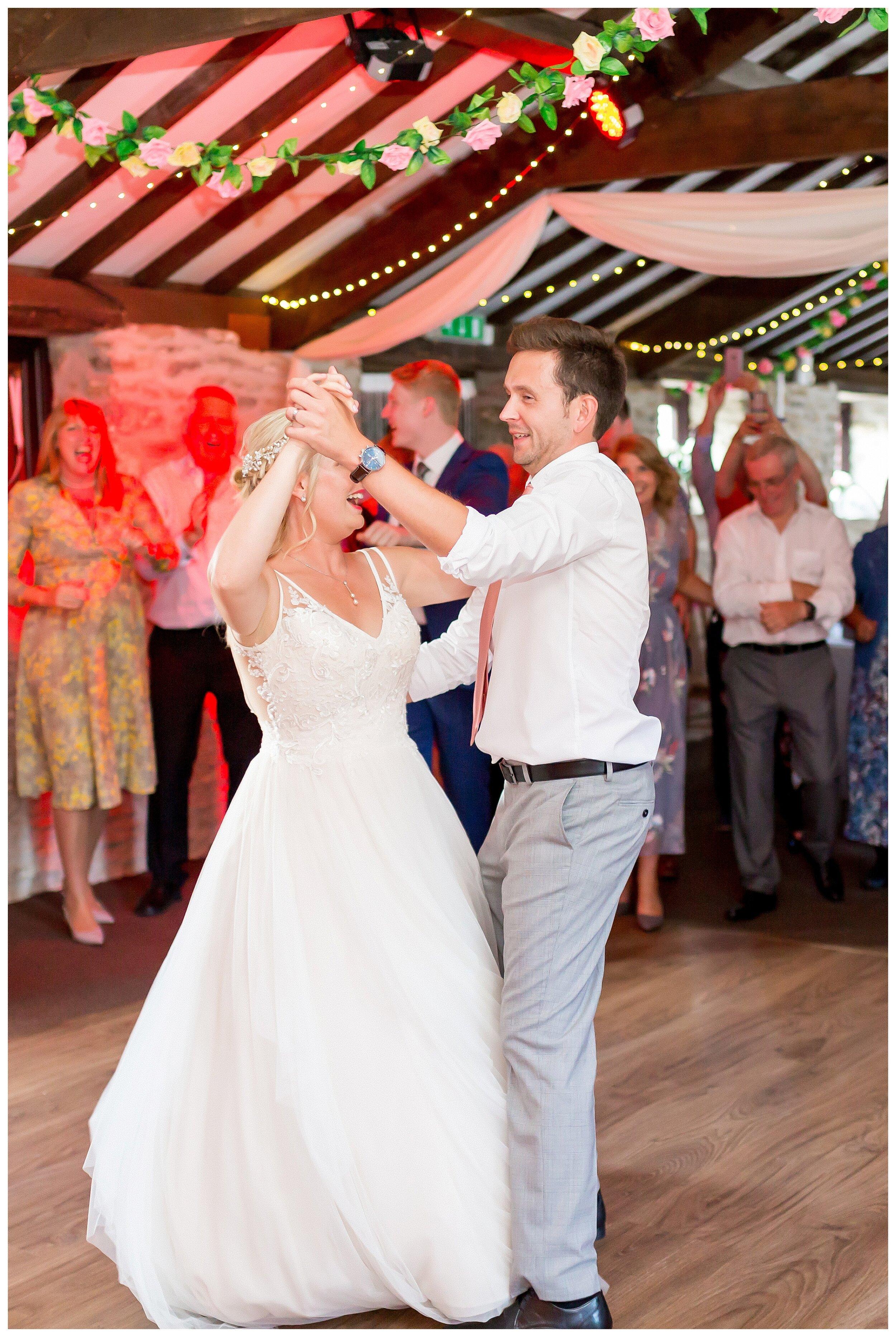 fun wedding photos.jpg