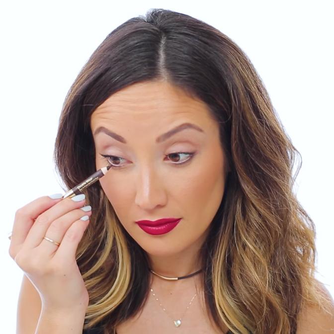pencil-eyeliner-tips-09-06-2016-square-screenshot_2016_09.jpg