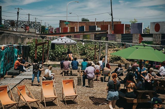 ••• full album now on fb! ••• 🌻🌻🌻 a summer afternoon at Sunflower Hill Beer Garden . . . ...with 🍹and 🌮 by @bourbonandbranch paired with art performances curated by Artsi and @kunyanglindancers . . . Thanks again to all who joined us- enjoy these photos captured by @contigophotosfilms  #artsi#artsiphilly#outdoorart#phillyart#artist#beergaden#tacos#summer#philadelphia#photography
