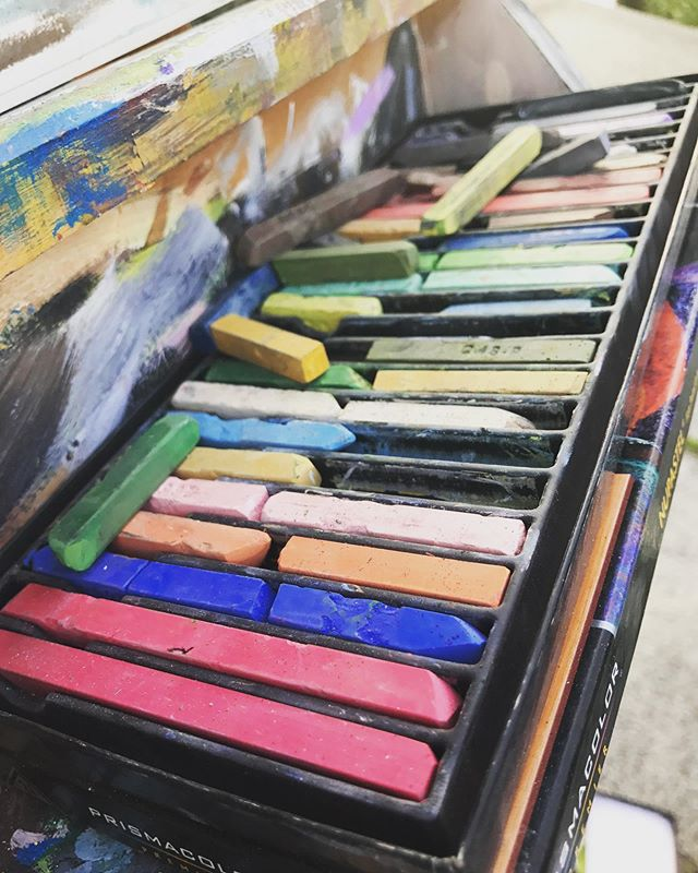 "🖍With 24 colorful pastels at your fingertips you'll have enough colors + outdoor scenery to let your creativity go wild! Join us at our next event ""Picture Me Philly"" 🎨 . . . TWO EVENTS Saturday August 3rd // 4-7pm @ Rittenhouse Square Sunday August 18th // 4-7pm @ Location TBA . . . 🎟🎟tickets $25. Supplies and refreshments will be included with the class! #artsi#artsiphilly#pastel#philly#phillyart#artist#rittenhouse#painter#pictures#summerfun#phillytodo"