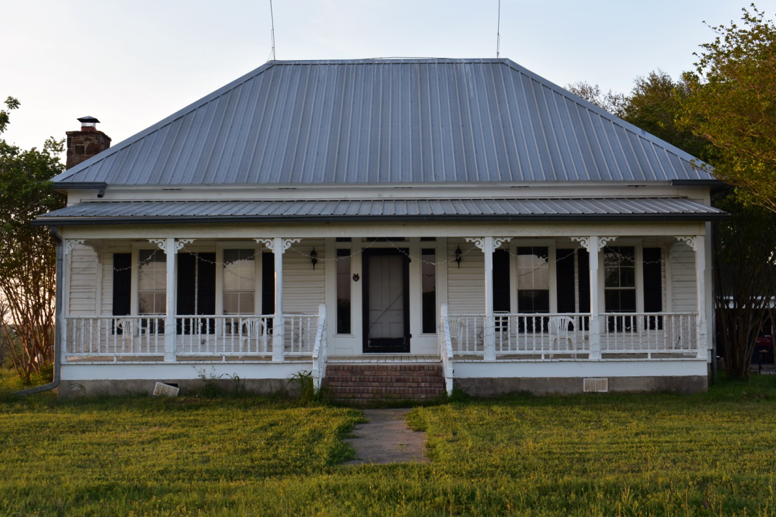 PROPERTY & RANCH HOUSE - Click to View Gallery