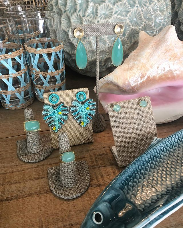 Even though school's back in  session, the water calls when you live in the lowcountry #beach #riverlife #sandbar #coastaldecor #coastaldecor #waterbaby #lowcountryliving #luvbft