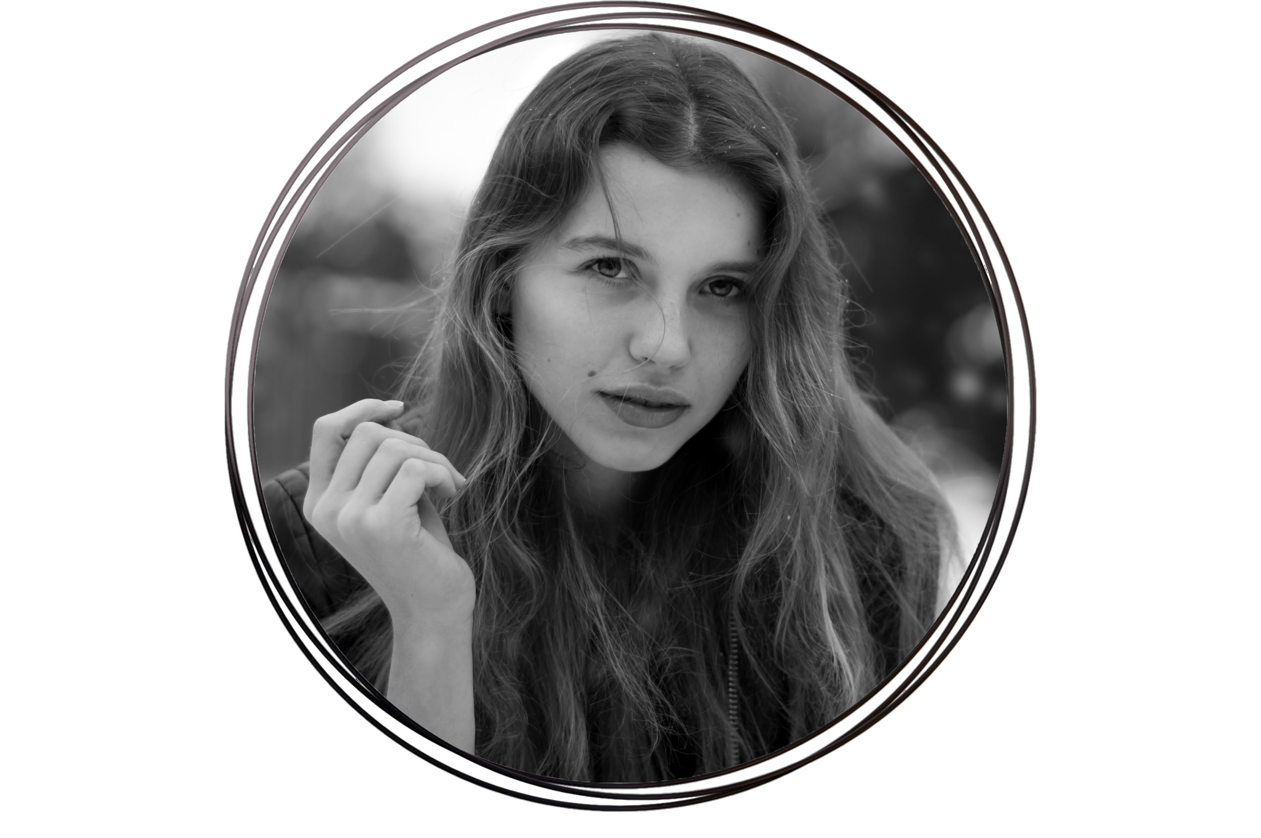 Rachael H - And my name is Rachael and I'm an aspiring author studying publishing at uni. Most of my time is spent reading or running but I have a long harbored passion for modelling, so it helps that I'm friends with a photographer
