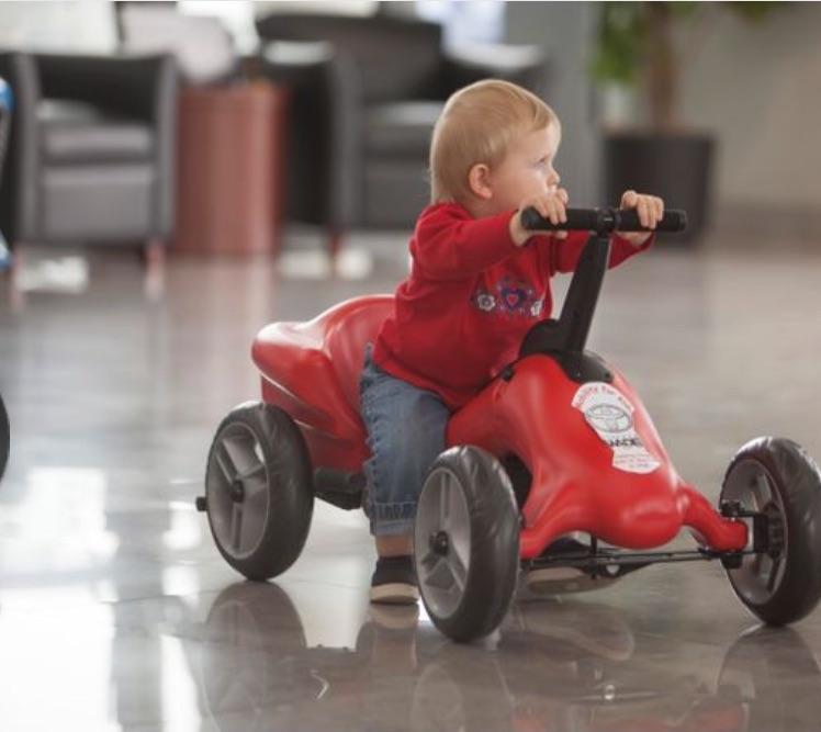 pumper car-cute boy 2.jpg