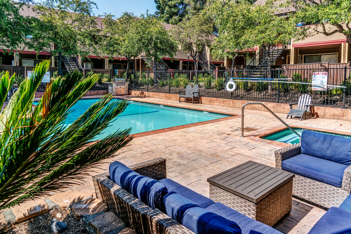 As a resident at Woodchase Apartment homes, you will have full access to our resort-like features and amenities.