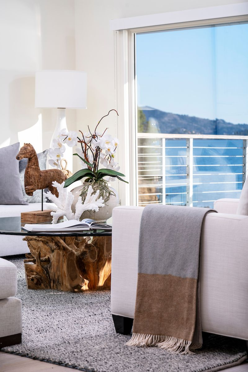 The Top of The Pointe has many luxurious design touches including European oak wood flooring, natural stone surfaces, hand-crafted cabinetry and unparalleled views of the San Francisco skyline.