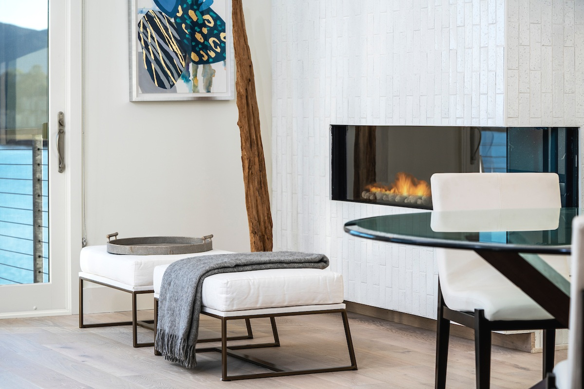 Maximus_The Pointe at Cove_4Bdrm_alLiving room Fire place Detail_181207_161157.jpg