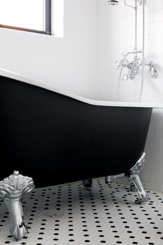 Detail.tub.jpg