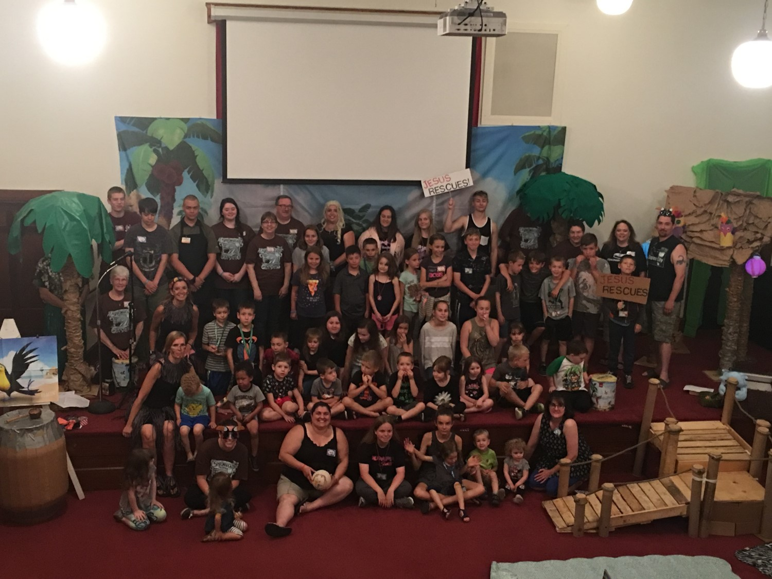 vbs shipwrecked group.jpg