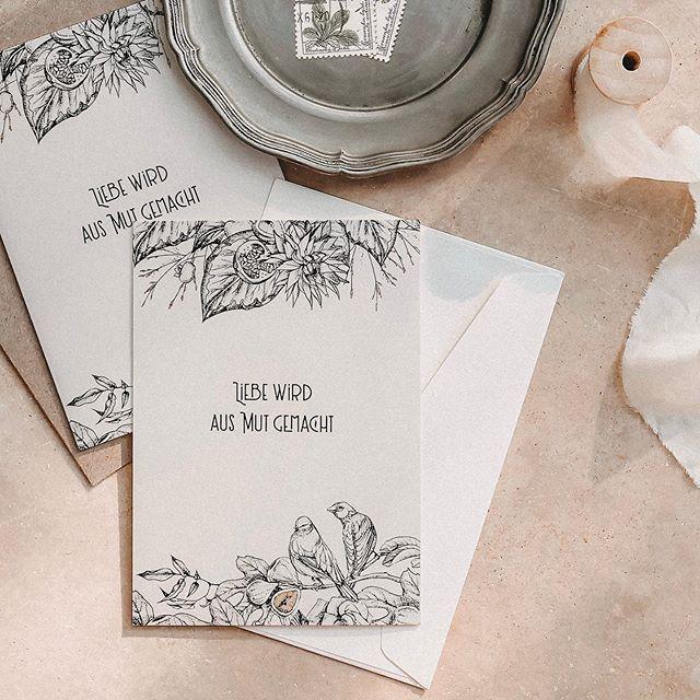 ZEIG DEINE LIEBE ANALOG. ⠀⠀⠀⠀⠀⠀⠀⠀⠀ Mehr Details unter: www.wundermaedl.at/produkte Link auch in meiner Bio für euch 🥳 ⠀⠀⠀⠀⠀⠀⠀⠀⠀ ————————— ⠀⠀⠀⠀⠀⠀⠀⠀⠀ #papeterie #briefe #glückwunschkarte #recyclingpapier #ecopapergoods #analogeliebe #aufdieliebe #briefeschreiben #makelovenotwar #briefpapier #madeinaustria #liebe