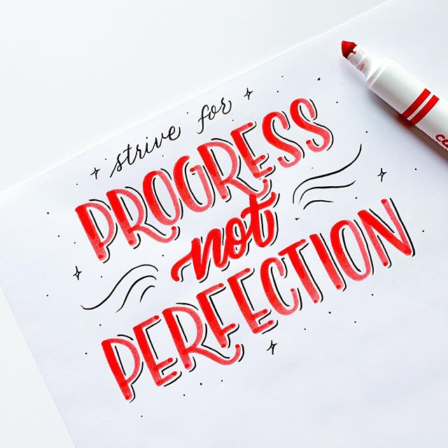Motivational Monday! @veronicaletters here! Perfection doesn't exist. So stop striving for it! Look for progress! As long as you are moving forward you are on the right track!❤️ #crayligraphy #lettering #mondaymotivation #quote #quotes #quotestoliveby #handlettering #moderncalligraphy #freestylecalligraphy