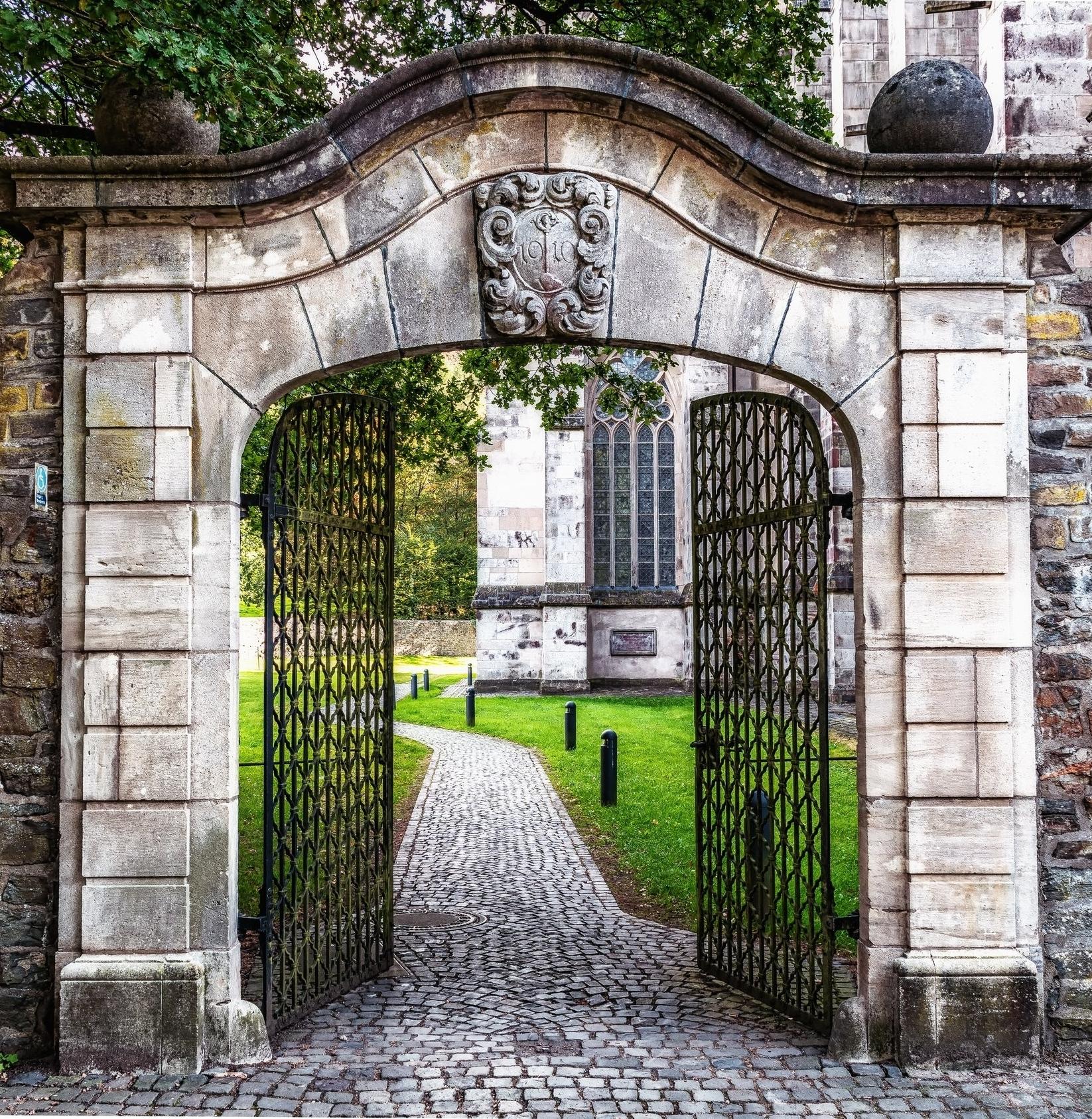garden gate.jpeg