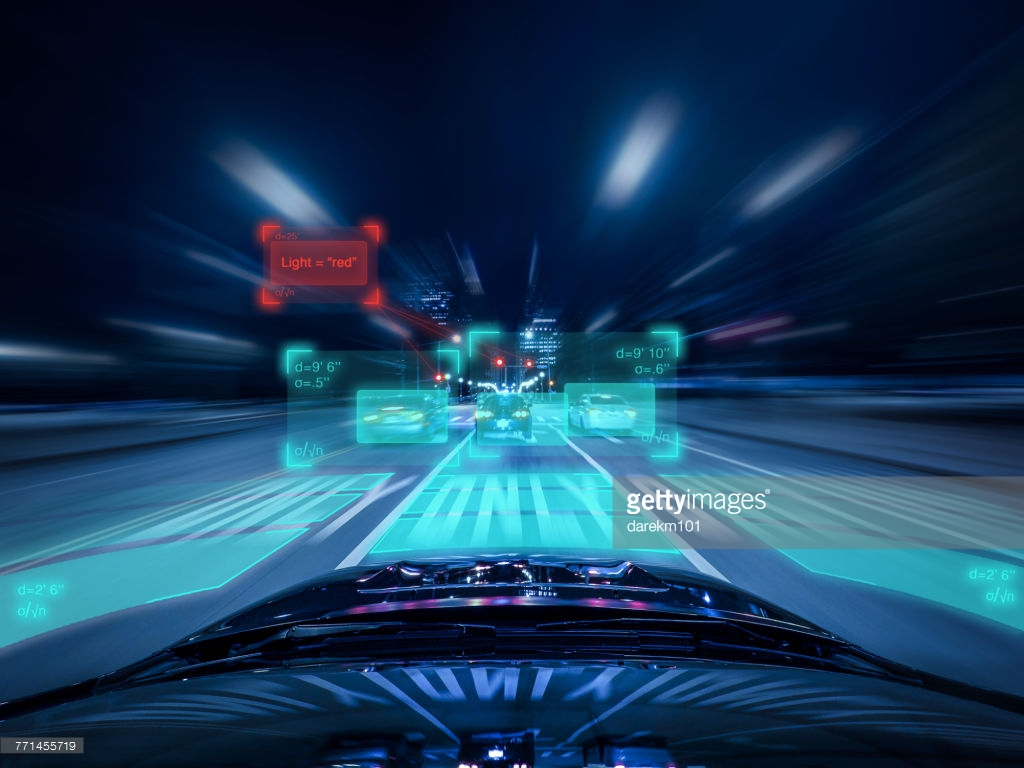 driverless-car-evaluating-upcoming-traffic-picture-id771455719.jpeg