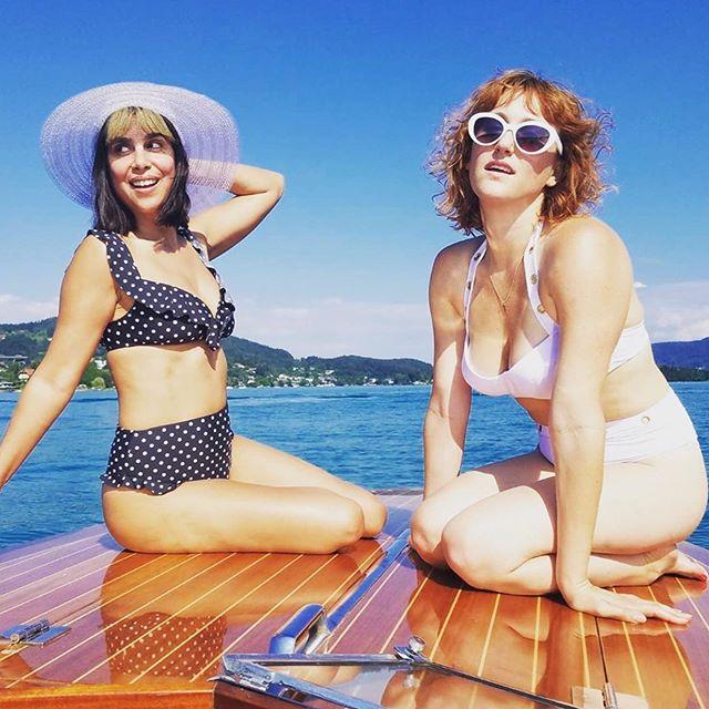 Summer days are slipping away #takeusback 🚤 . . . #happyfridayeveryone #summersun #speedboat #vintagestyles #summerfestival #austria🇦🇹 #klagenfurt #musicmakers #indieband #losangelesmusic #spotifyplaylist #itunes #savetheearth #womeninmusic #newmusicfriday