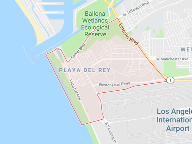 Playa Del Rey  Superficie: 6.21 km2 Démographie: +12,129 habitants Prix moyen par Sq.Ft (1m2 = 10.76 Sq.Ft): -Maison Single Family: Q1 2018: $614 (Q1 2017: $569) -Condo: Q1 2018: $598 (Q1 2017: $551)