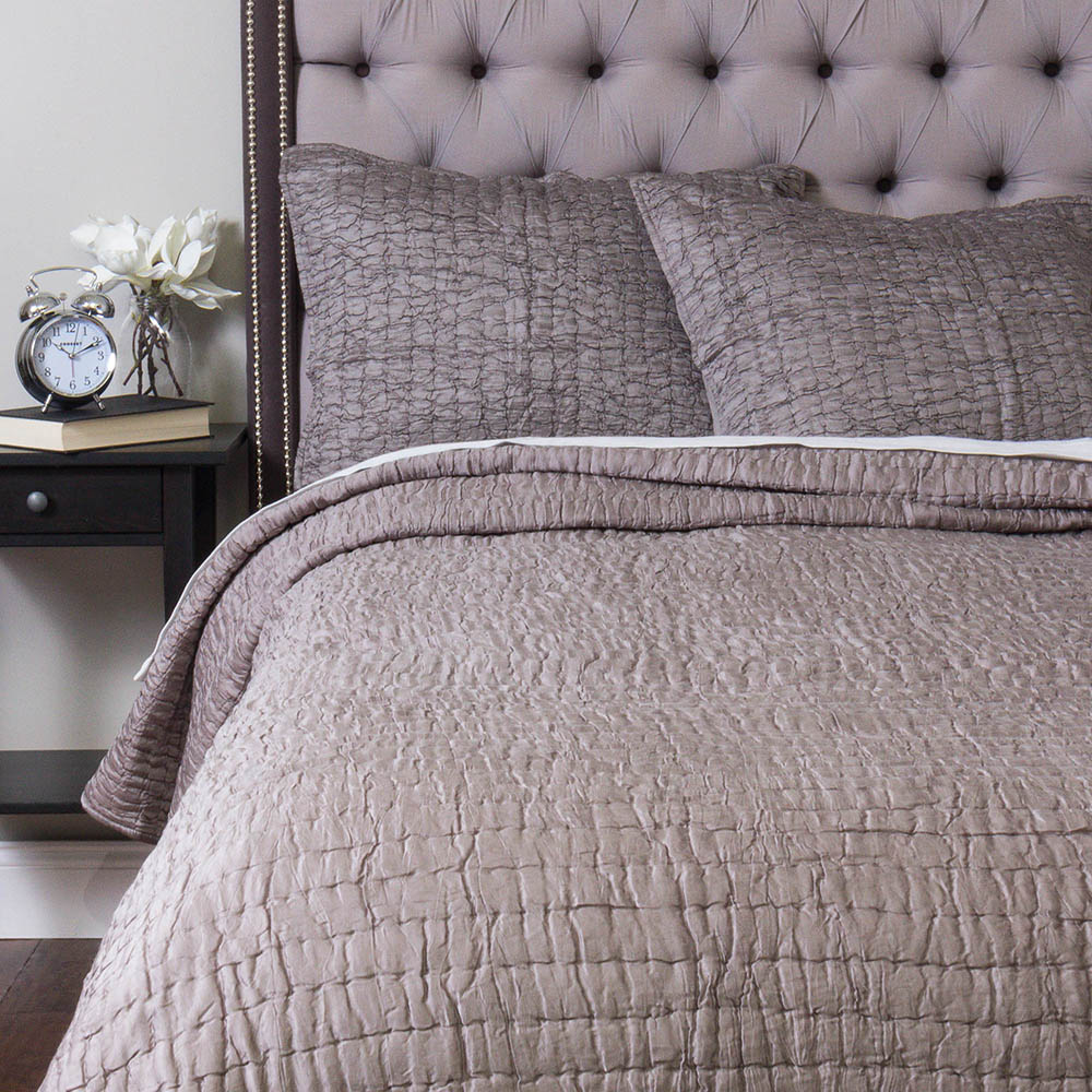 Hadon Quilt, Grey - King - The opulent Hadon quilt adds a sleekness to bed ensamble, that only our hand-crafted pieces can fulfill. For maximum softness it's made of Cotton Modal.$462.00