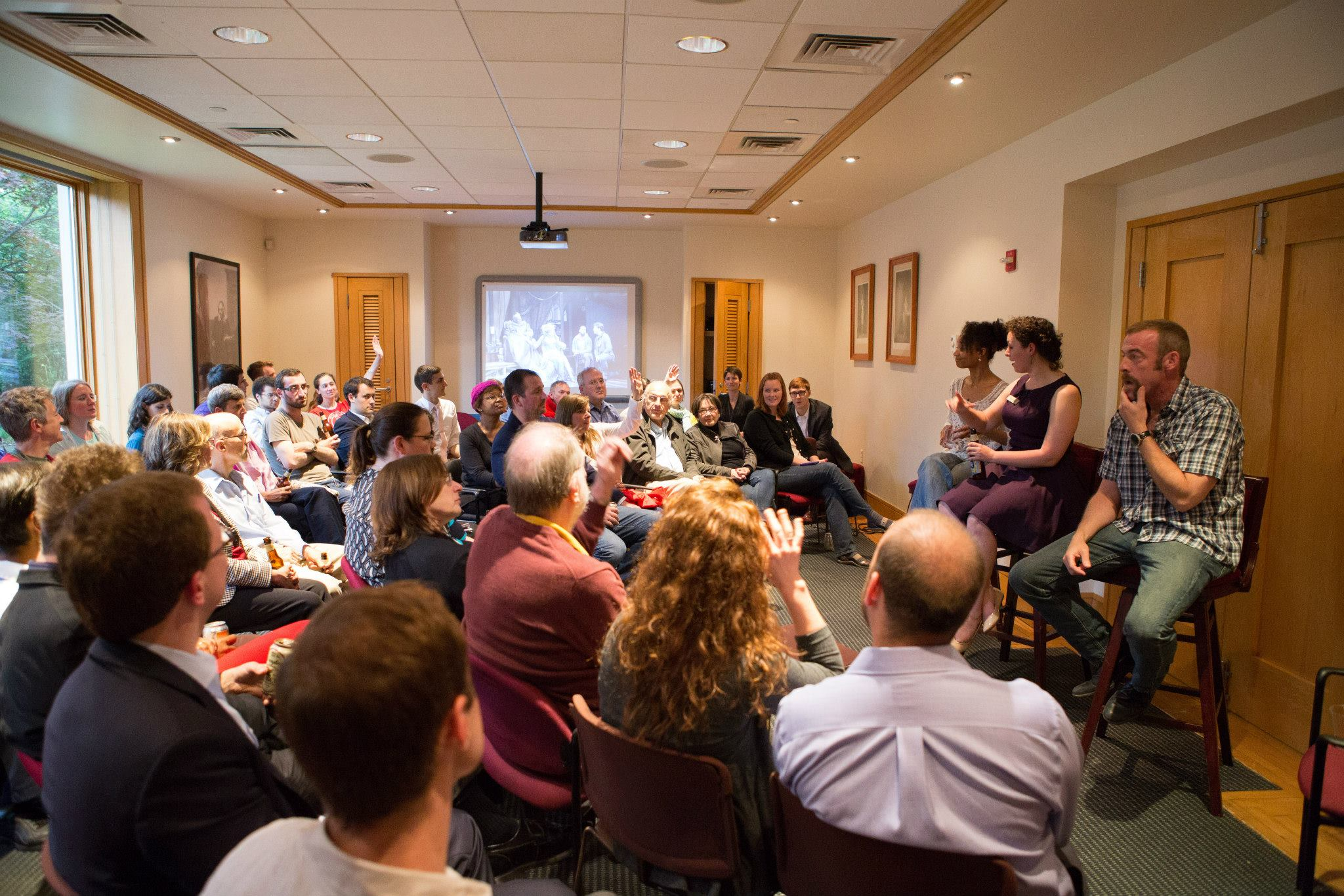 """Brews & Banter"" at the Folger. Photo by Teresa Wood."
