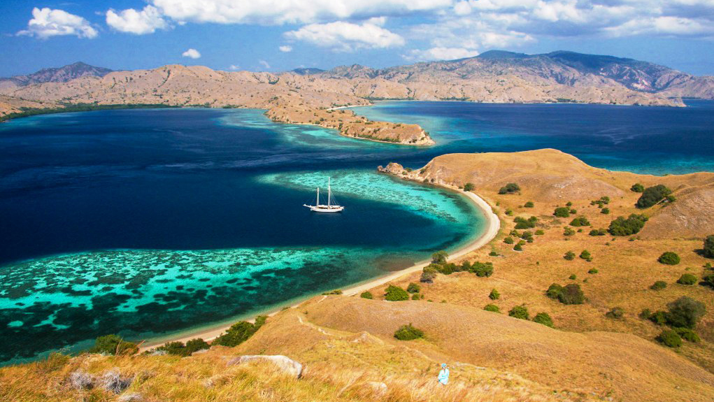 gili-lawa-darat-island-res.jpg