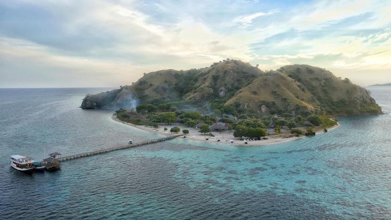 kanawa island 2 komodo national park.jpg
