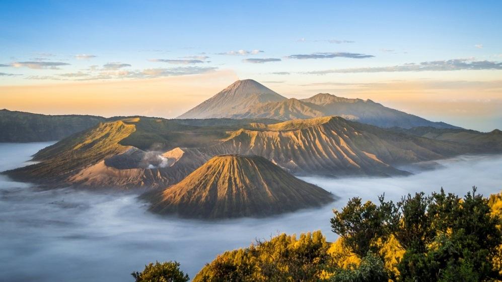 indonesia-volcano-mount-bromo-1520496839-1000X561.jpg