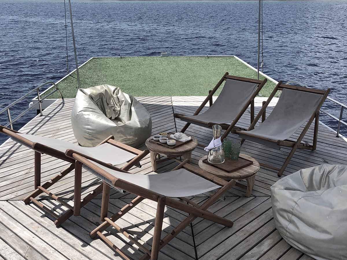 Splendour Boat - relax.jpg