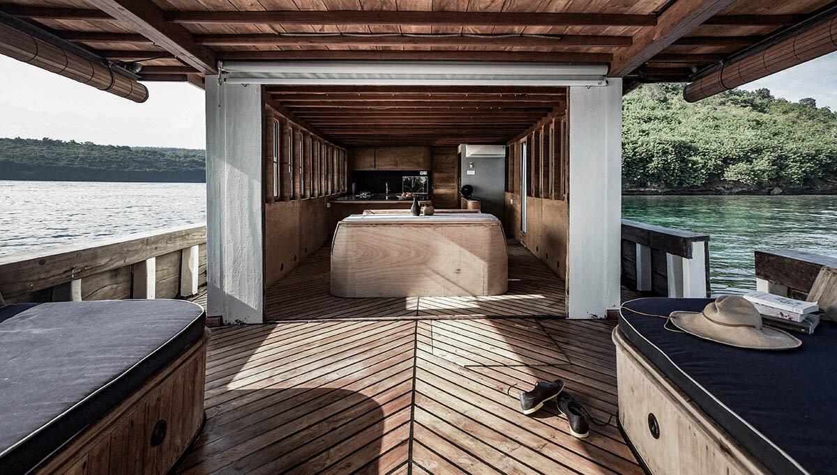 Splendour Phinisi Boat.jpg