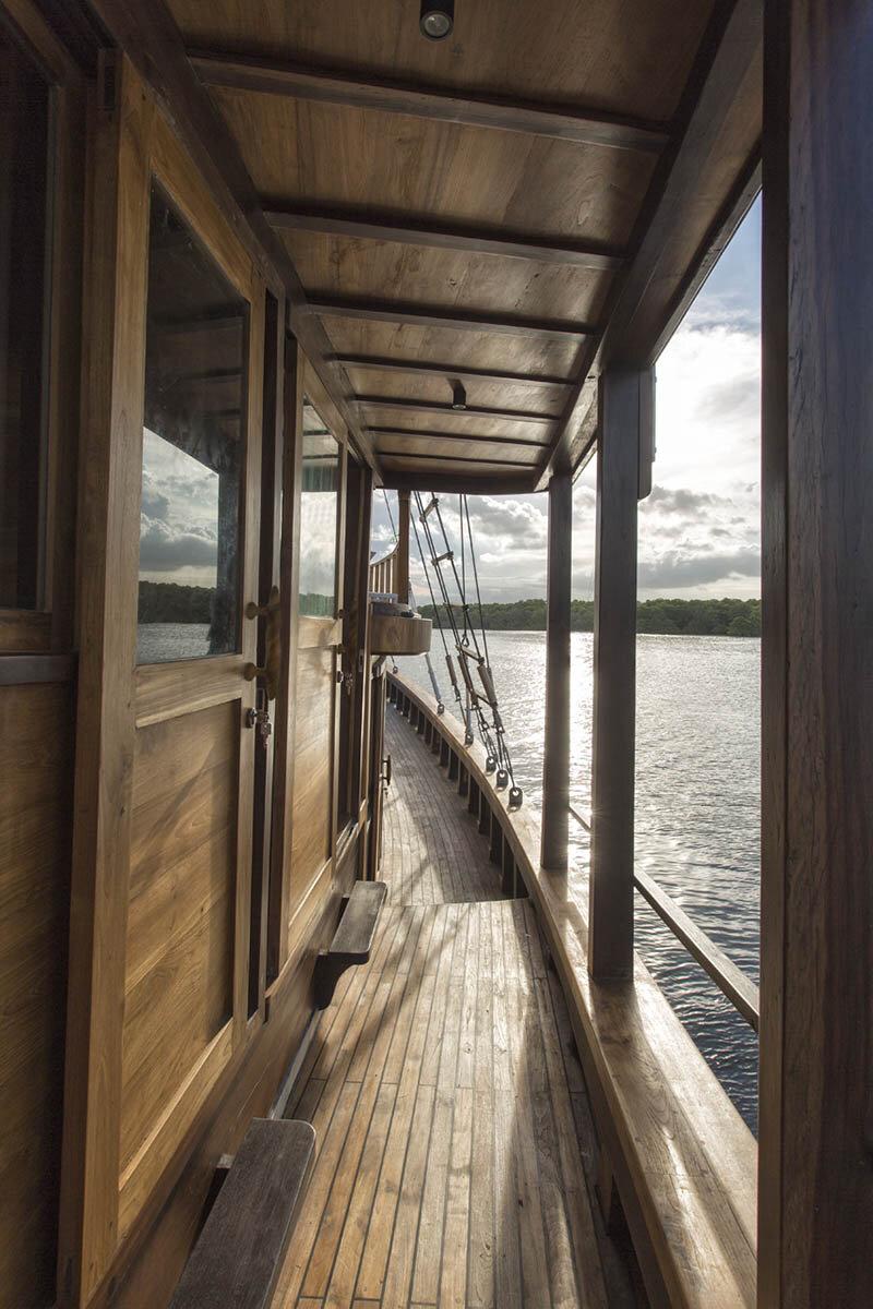 Tiare Boat - Side.jpg