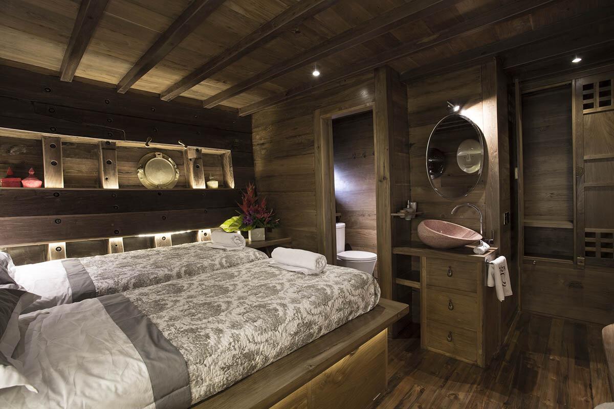 Tiare Boat Bedroom.jpg