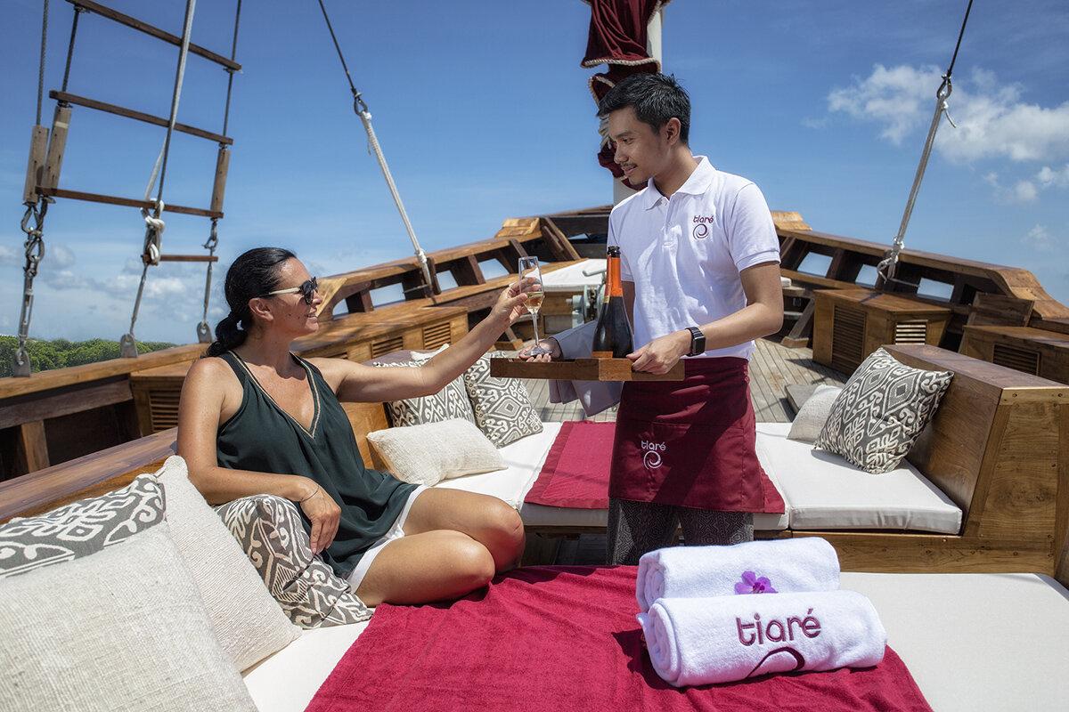 Tiare Boat - Life on board.jpg