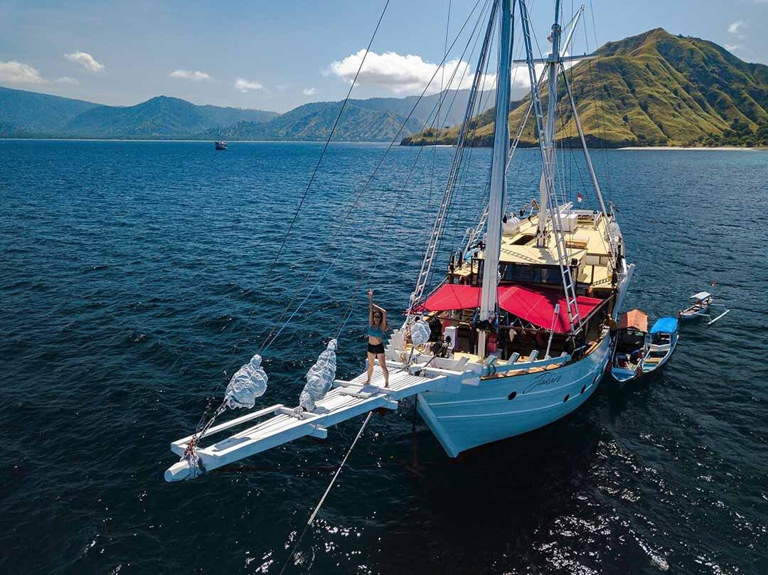 Jakare Boat - Liveaboard.jpg