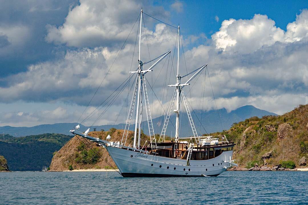 Luxury Jakare Boat.jpg