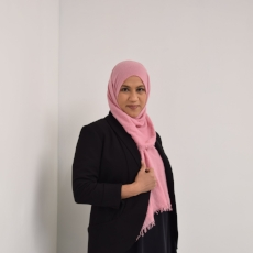 FATIMA    Summer Zehra is an educator based out of Chicago and Dallas. She's also co-hosts a podcast discussing the issues of the Muslim diaspora. She plays Fatima in The Girl Deep Down Below