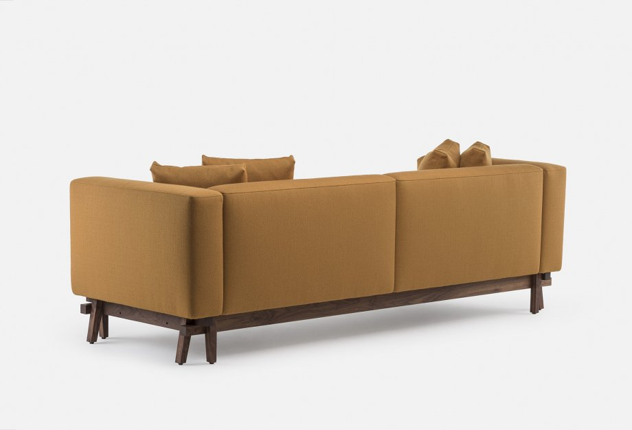 788_Sofa_Eight_by_NeriHu_in_walnut_and_Vidar_2_472___backweb_920x625.jpg