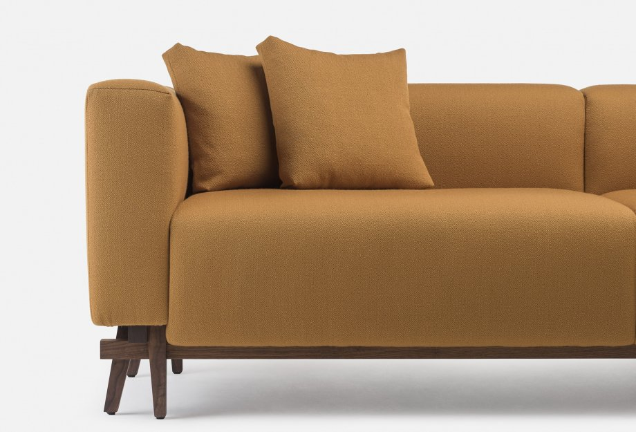 788_Sofa_Eight_by_NeriHu_in_walnut_and_Vidar_2_472___detail_4web_920x625.jpg