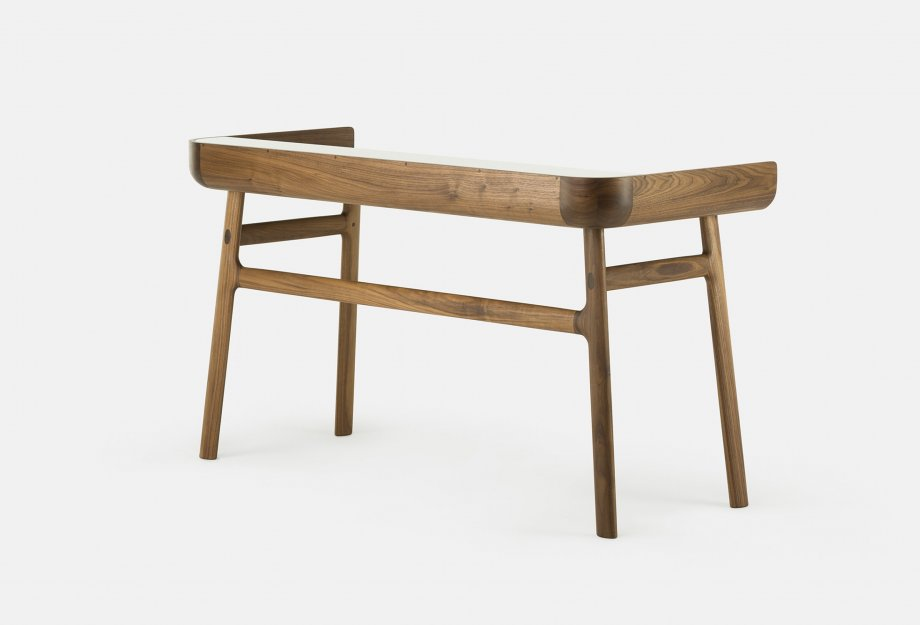 Harold_Desk_by_Nichetto_in_walnut_backweb_920x625.jpg