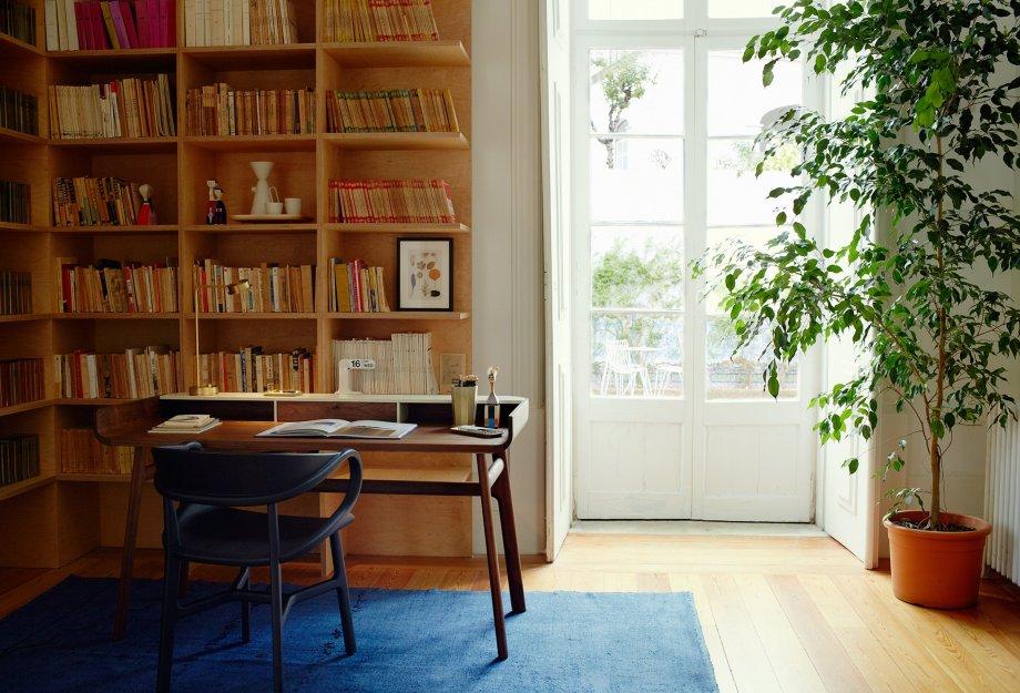 Nichetto_Desk_L_LR_920x625.jpg