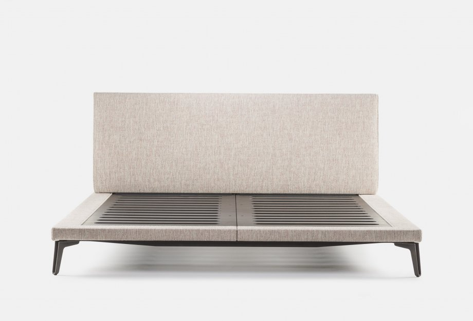 400_McQueen_Bed_by_Matthew_Hilton___no_mattressweb_920x625.jpg