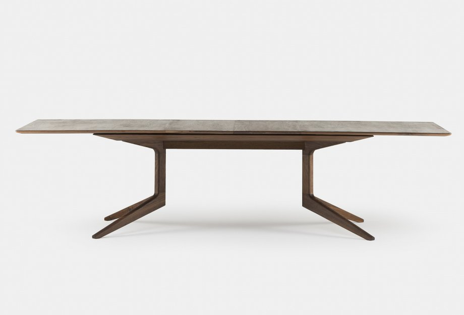 341E_Light_Extending_Table_by_Matthew_Hilton_in_walnut_withtwoleavesweb_920x625.jpg