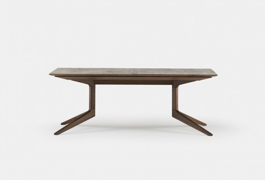 341E_Light_Extending_Table_by_Matthew_Hilton_in_walnut_closedweb_920x625.jpg