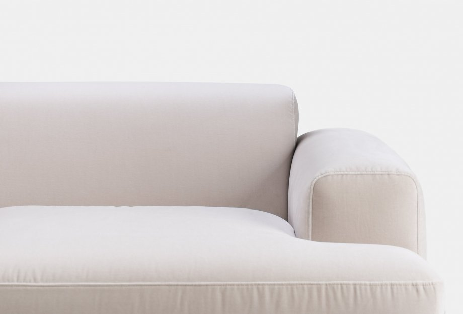 386L_Armstrong_3_Seater_Sofa_by_Matthew_Hilton_in_white_oiled_ash_and_Harald_2_212_fabric_detail1web_920x625.jpg