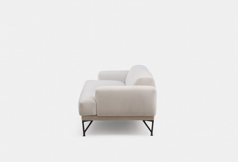 386L_Armstrong_3_Seater_Sofa_by_Matthew_Hilton_in_white_oiled_ash_and_Harald_2_212_fabric_sideweb_920x625.jpg